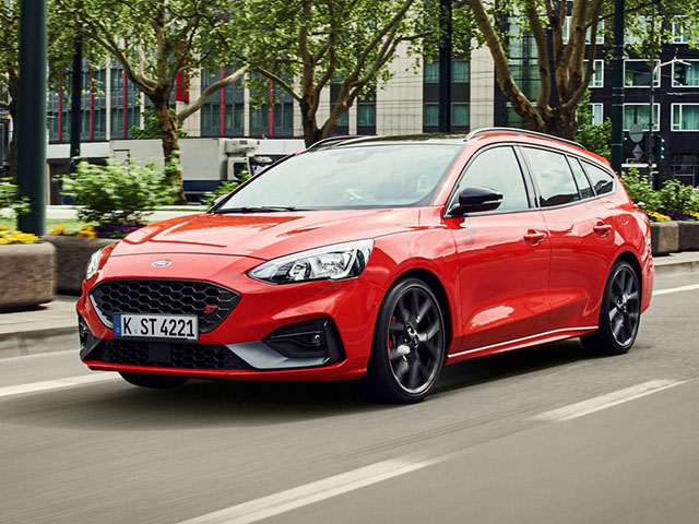 Ford Focus ST kombi - recenze a ceny