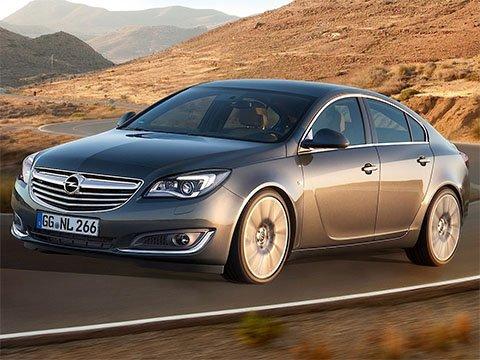 Opel Insignia liftback - recenze a ceny