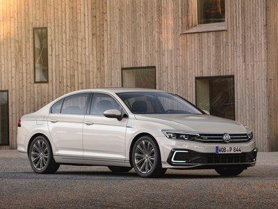 Volkswagen Passat GTE - recenze a ceny