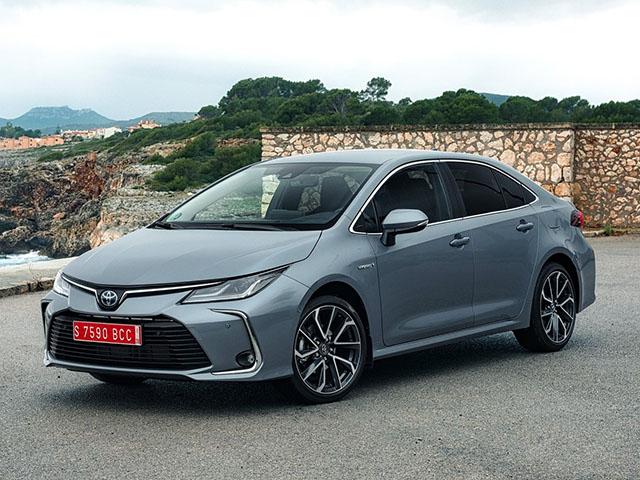 Toyota Corolla sedan - recenze a ceny