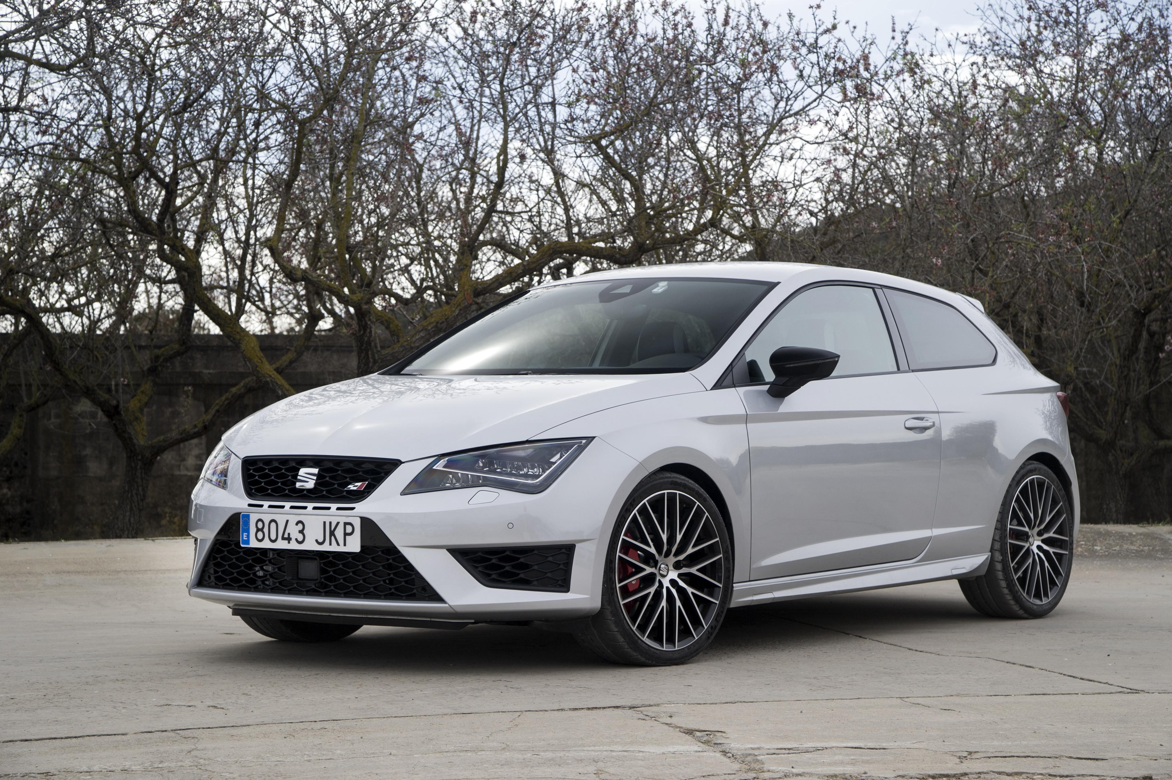 SEAT Leon SC Cupra - recenze a ceny