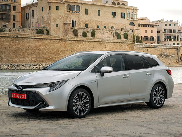 Toyota Corolla Touring Sports - recenze a ceny