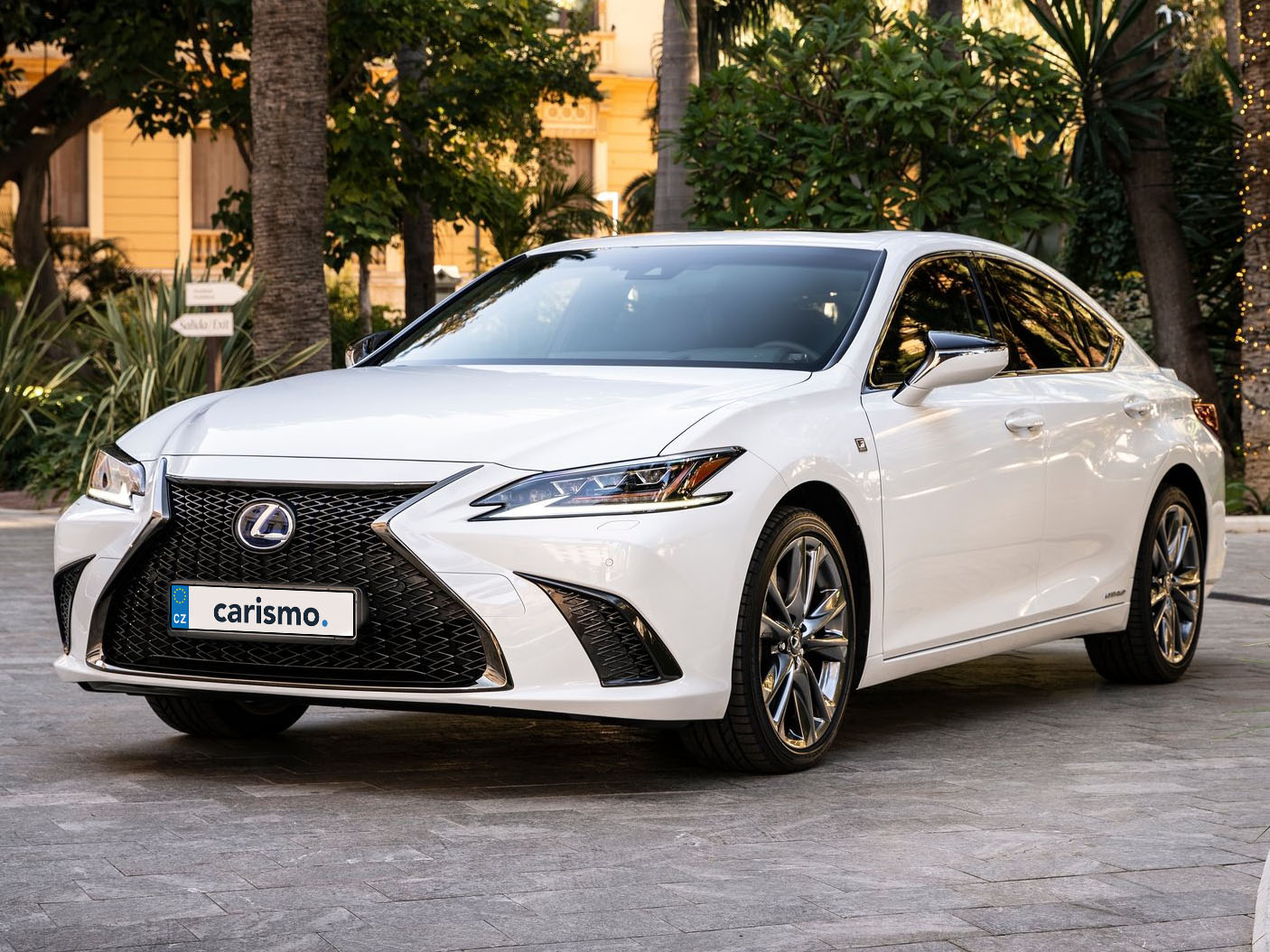 Lexus ES - recenze a ceny
