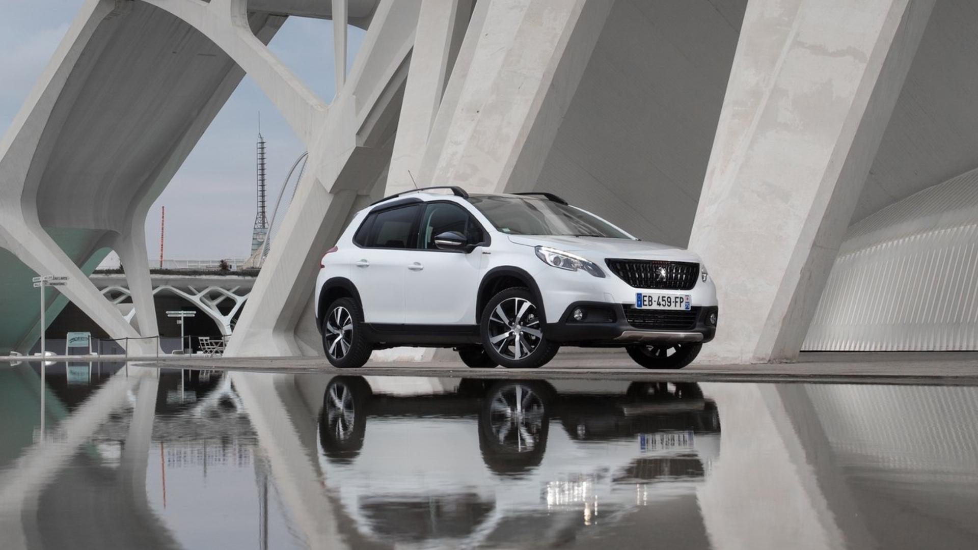 Peugeot 2008 - 10. nejprodávanější auto za měsíc říjen