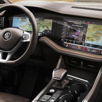 VW Touareg - stále offroad?