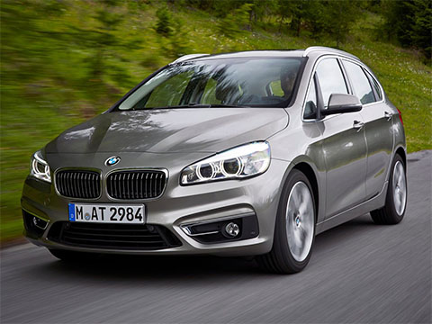 Video: BMW 2 Active Tourer interiér | Carismo.cz