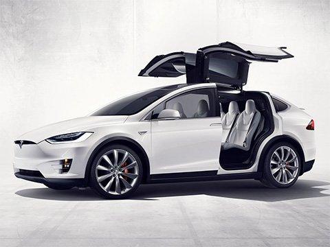 Tesla Model X - recenze a ceny