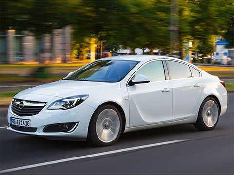 Opel Insignia sedan - recenze a ceny